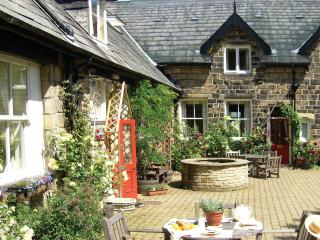 Comfortable 3 bedroom Cottage in Ilkley with Internet Access - Ilkley vacation rentals