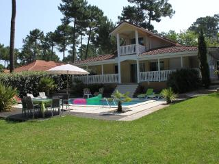 Nice Villa with Internet Access and Dishwasher - Lacanau vacation rentals