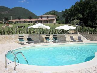 Agriturismo Caprareccia Bianca Country Apartments - Casperia vacation rentals