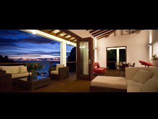 Bright 2 bedroom House in Marigot Bay - Marigot Bay vacation rentals