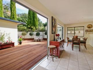 Perfect Villa with Internet Access and Dishwasher - Takapuna vacation rentals