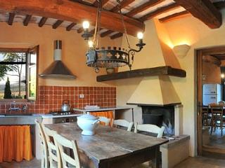 Nice House in Buonconvento with Deck, sleeps 6 - Buonconvento vacation rentals