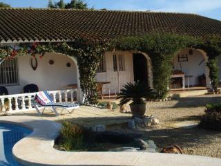 Villa de los Sueños with private pool, sleeps 6 - L'Alfas del Pi vacation rentals