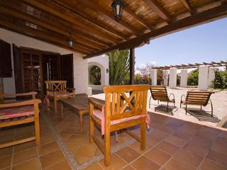 Comfortable House with Television and Parking - Ingenio vacation rentals