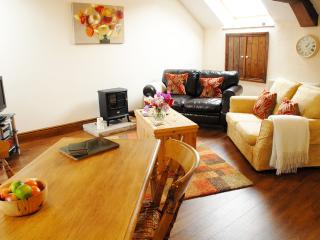 Romantic Cottage in Penrith with Dishwasher, sleeps 2 - Penrith vacation rentals
