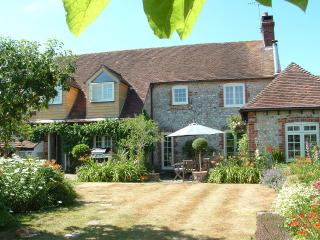 Crockfords nr Chichester. Perfect for Goodwood - Chichester vacation rentals
