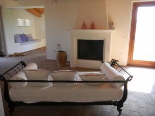 Bright 3 bedroom Villa in Montelabbate with Internet Access - Montelabbate vacation rentals