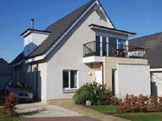 Bright Villa with Internet Access and Central Heating - Turnberry vacation rentals