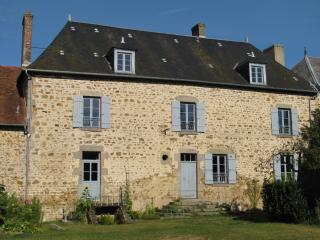 Nice Bed and Breakfast with Internet Access and Wireless Internet - Montaigut-le-Blanc vacation rentals