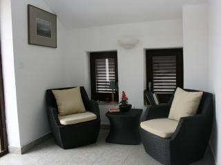 Cozy 3 bedroom House in Dramalj with Internet Access - Dramalj vacation rentals