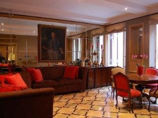 Luxury 2BR - Spanish steps - Rome vacation rentals