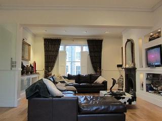 4 Bed home, Highgate, Sleeps 8 - London vacation rentals