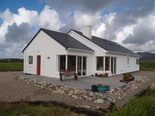 Bright 5 bedroom Achill Island Bungalow with Deck - Achill Island vacation rentals