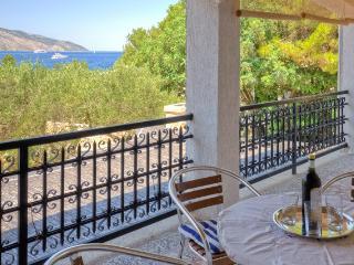 Apartment Lanterna - Stari Grad vacation rentals