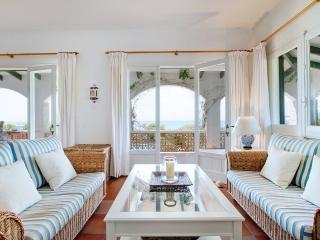 4 bedroom Villa with Internet Access in Santo Tomas - Santo Tomas vacation rentals