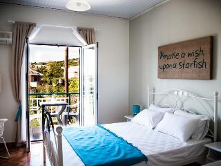 SeaViewStudios SupStudio double bed - Minia vacation rentals