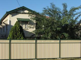 Perfect House with A/C and Washing Machine - Biloela vacation rentals