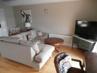 Lovely Condo with Internet Access and Television - Margate vacation rentals