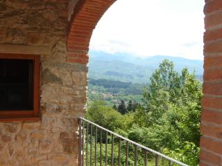 Casa Polidori Apartment 2 - Castelnuovo di Garfagnana vacation rentals