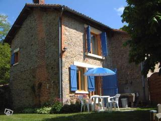 Comfortable 1 bedroom Gite in Cieux with Internet Access - Cieux vacation rentals