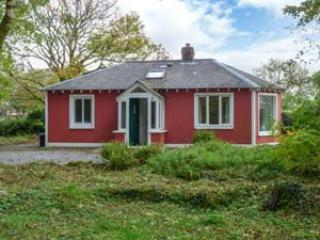 2 bedroom Cottage with Tennis Court in Corofin - Corofin vacation rentals