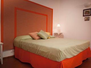 B&B Antico Granaione Orange bedroom - Rapolano Terme vacation rentals