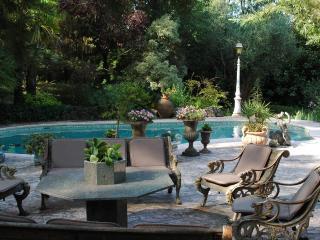 La bergerie(PAS une villa complète)NOT full house! - Roquefort les Pins vacation rentals