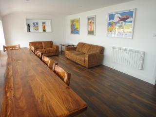 Comfortable 3 bedroom Penthouse in Cobh - Cobh vacation rentals