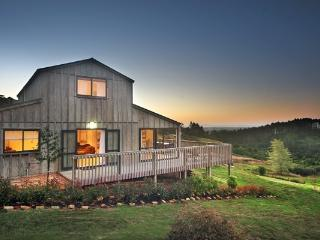 The Lodge at Six Acres - Clarks Beach vacation rentals