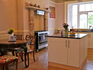 2 Bed, Peckham, Sleeps 4 - London vacation rentals
