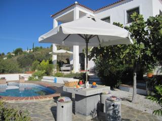 Bright 1 bedroom Condo in Canillas de Albaida with Internet Access - Canillas de Albaida vacation rentals