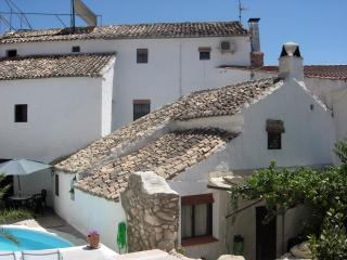 Sunny 7 bedroom Priego de Cordoba Manor house with Internet Access - Priego de Cordoba vacation rentals
