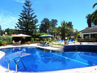 Villa das Palmeiras - Magnific Villa - Charneca da Caparica vacation rentals