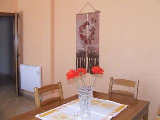 Bright 2 bedroom Madrid Area Apartment with Internet Access - Madrid Area vacation rentals