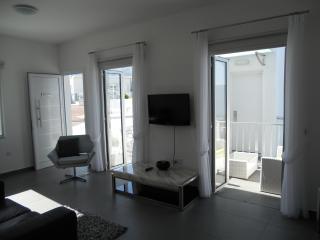 Nice 1 bedroom Apartment in Mazotos - Mazotos vacation rentals