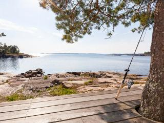 Bright 3 bedroom Helsinki Villa with Internet Access - Helsinki vacation rentals