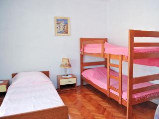 7pax Novalja apartment - Cola V3 (7 pax) - Novalja vacation rentals