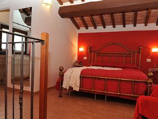 Gorgeous 1 bedroom House in Citerna with Deck - Citerna vacation rentals