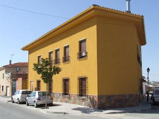 2 bedroom Apartment with Internet Access in Madrid Area - Madrid Area vacation rentals