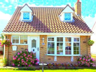 Sutton on sea cottage, Pet Friendly nr Beach, WiFi - Sutton-on-Sea vacation rentals
