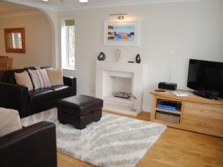 Lovely 3 bedroom Budleigh Salterton House with Internet Access - Budleigh Salterton vacation rentals