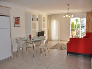 'Side Hill E2' Luxury 2 bed pool side apartment - Side vacation rentals