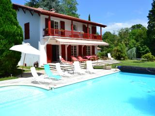 Spacious 5 bedroom Villa in Cambo les Bains with Internet Access - Cambo les Bains vacation rentals