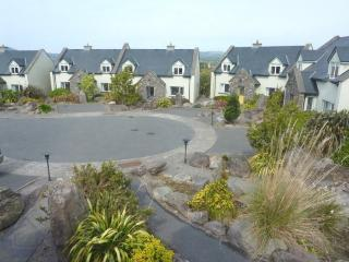 Spacious Cottage with Central Heating and Towels Provided - Waterville vacation rentals