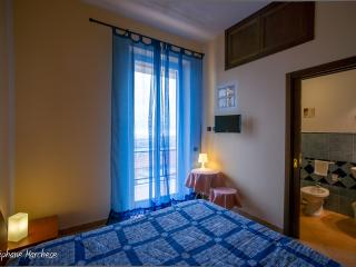 Cozy 3 bedroom Agrigento B&B with Internet Access - Agrigento vacation rentals