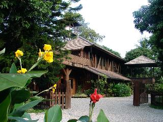 Beautiful House with Deck and Internet Access - Chiang Mai Province vacation rentals