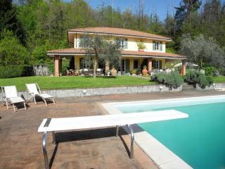 S.Giusto with pool near 5Terre - La Spezia vacation rentals
