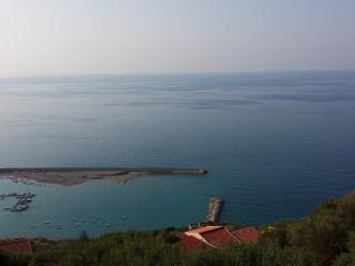Casa Albablu - Appartamento Luna - Capo D'orlando vacation rentals