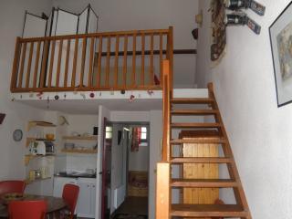 Romantic 1 bedroom Condo in Bagneres-de-Bigorre - Bagneres-de-Bigorre vacation rentals