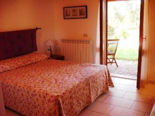 Romantic 1 bedroom Condo in Giove - Giove vacation rentals
